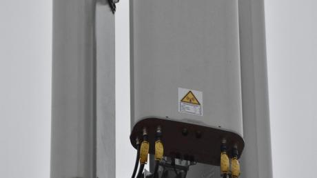 Die Telekom baut beim Mobilfunk derzeit das 5G-Netz aus. Eine Initiative im Donau-Ries-Kreis weist auf die möglichen Gefahren hin und will Stadt- und Gemeinderäte informieren.