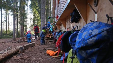 Im Waldkindergarten sind die Kinder in der Regel immer an der frischen Luft. Über eine solche Einrichtung wird aktuell in Dinkelscherben diskutiert.