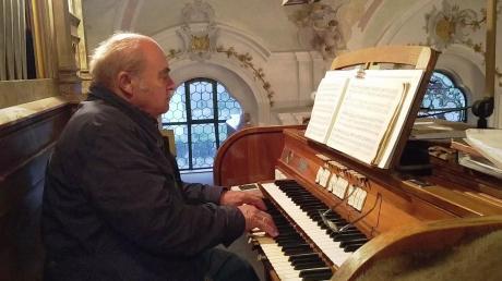 Kürzlich wurde Heinrich Speer für sein eisernes Organistenjubiläum geehrt. Dieses Weihnachtsfest wird auch für ihn ein ganz besonderes sein.
