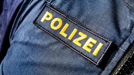 Die Polizei hat nahe Wolferstadt eine illegale Müllablagerungsstätte entdeckt.