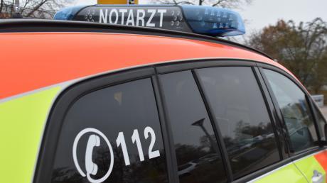 Bei einem Unfall auf einer Baustelle in Dietenheim ist ein Arbeiter schwer verletzt worden. (Symbolbild)