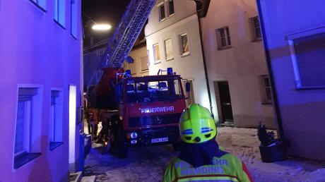 Ein Kaminbrand hat die Feuerwehr am Wochenende in der Wemdinger Altstadt beschäftigt.