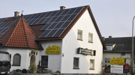 Die Kartäuser-Klause in Erlingshofen ist verkauft. Im Privathaus des früheren Besitzers sollen Hotelzimmer entstehen.