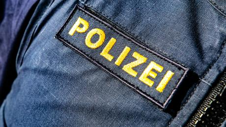 Nach Angaben der  Polizei Nördlingen wurde am Montagnachmittag ein Mann durch einen fallenden Reifen verletzt.