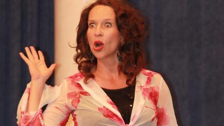 Bei den Abenden des Mertinger Kulturkreises sind die Stimmen hochrangiger Sänger zu hören – wie die der Sopranistin Bettina Ullrich. Doch die Reihe kostet der Gemeinde auch Geld. Darüber ist im Gemeinderat eine Debatte entbrannt.