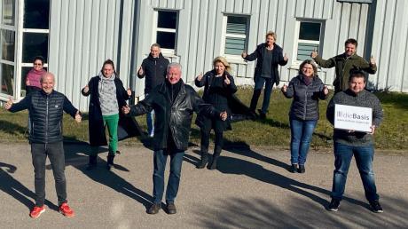 """Der Vorstand des neuen Kreisverbands der Partei """"Die Basis"""" traf sich in Lauingen."""