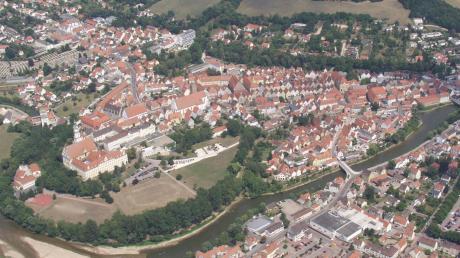Viele Dinge ziehen Menschen nach Donauwörth und in die Region. Auch in der Corona-Krise sind Wohnungen und Bauplätze deshalb heiß begehrt.