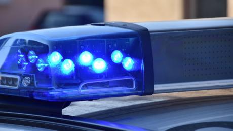 Die Polizei hatte einige Mühe, einen verdächtigen Autofahrer auf der B12 und B16 anzuhalten.
