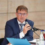 Landrat Stefan Rößle appelliert in der Corona-Krise einmal mehr an die Bürger.