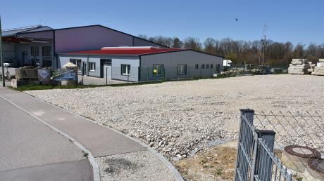 Auf diesem Grundstück im Gewerbepark in Kaisheim will eine Firma, die bislang in Mittelstetten beheimatet ist, einen Zweigbetrieb errichten.