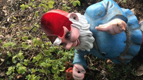 Unbekannte beschädigten verschiedene Figuren auf dem Märchenweg.