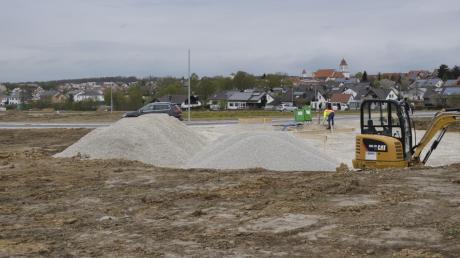 """Viel Platz ist im Neubaugebiet """"Neureut"""" in Buchdorf. Hier gab es 52 Bauplätze für Einzel-, Doppel und Mehrparteienhäuser. Doch jetzt ist erst einmal Schluss. Weiteres Bauland auszuweisen, ist laut Bürgermeister Grob nicht so schnell möglich."""
