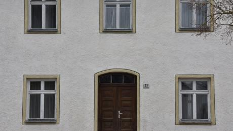Das alte Schulhaus in Wolferstadt steht schon länger leer. Die Gemeinde sucht nach einem Konzept, wie das Gebäude genutzt werden könnte.