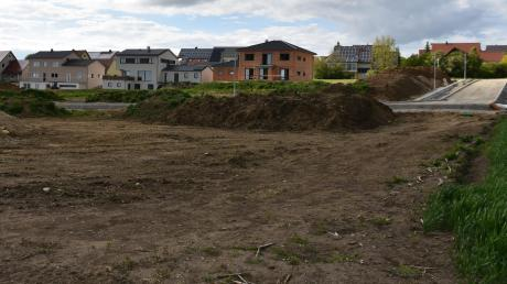 Auf dieser Fläche am Ortsrand von Mündling entstehen derzeit neue Bauplätze.