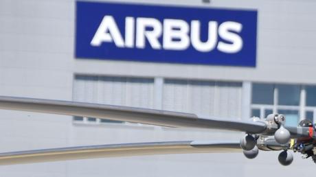 Auch der Hubschrauberhersteller Airbus Helicopters aus Donauwörth trifft der Rohstoffmangel. Der Konzern hat Pläne, wie er dem begegnen möchte.
