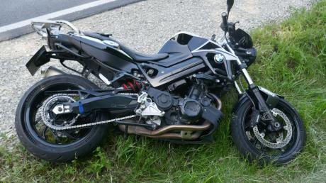 Mit diesem Motorrad ist ein 37-Jähriger auf der B25 zwischen Hoppingen und Harburg gegen einen Geländewagen geprallt und dann gestürzt.