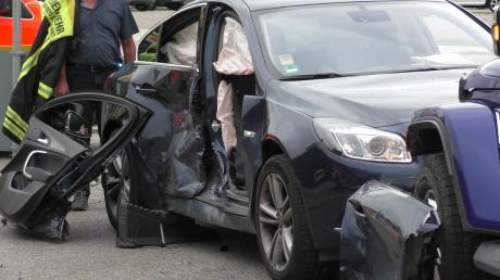 Die Beifahrerin, 84, dieses Autos erlitt bei dem Unfall in Bäumenheim schwere Verletzungen.