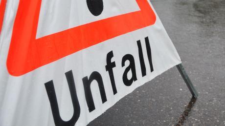 Ein Radler ist bei einem Unfall in Auhausen verletzt worden.