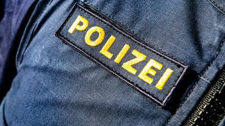 Bei den nachweislich vergifteten Tieren handelte es sich laut Polizei um eine Elster, zwei Mäusebussarde, zwei Saatkrähen und drei Krähen.