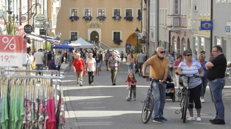 Die Reichsstraße als Flaniermeile ohne Autos – dies konnten die Menschen am Samstag in Donauwörth erleben.
