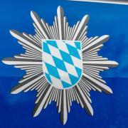Die Polizei ermittelt gegen den Halter eines Sattelzuges, der sich in Wertingen selbständig gemacht hat.