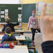 Das neue Schuljahr hat begonnen. Regelmäßige Corona-Tests sollen verhindern, dass sich das Virus in den Klassen ausbreitet. In dieser Woche konnte der Unterricht planmäßig stattfinden.