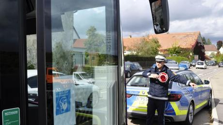 Die Polizei kontrollierte unter anderem Busse in der Nürnberger Straße in Donauwörth-Berg.
