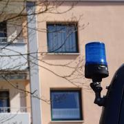 In einem Mehrfamilienhaus in Donauwörth spielte sich im März das Drama ab, bei dem ein Säugling vom eigenen Vater schwer verletzt wurde.