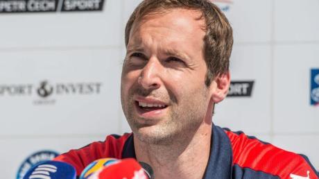 Petr Cech wird jetzt Eishockey-Torwart. Foto: Filip Singer/epa/dpa