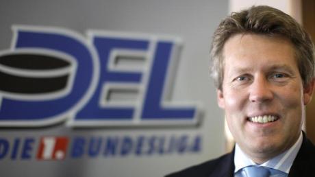 Glaubt den drohenden Abzug der Krefeld Pinguine aus der Liga abwenden zu können: DEL-Geschäftsführer Gernot Tripcke. Foto: Rolf Vennenbernd/dpa