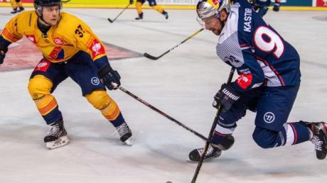 Jesper Pettersson (l) setzte sich mit Djurgaden Stockholm gegen Maximilian Kastner und Red Bull München durch.