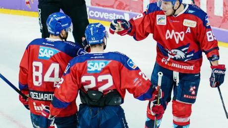 Die Adler Mannheim setzten sich auch gegen Augsburg durch.
