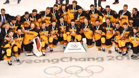 Vor zwei Jahren hatte das deutsche Eishockeyteam die Olympia-Silbermedaille gewonnen.