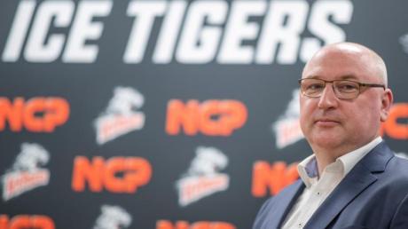Frank Fischöder wird als neuer Trainer der Nürnberg Ice Tigers vorgestellt.