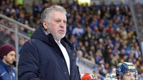 Bedient: Trainer Doug Shedden musste mit ansehen, wie der ERC Ingolstadt in Straubing mit 6:7 verlor und auf Tabellenplatz acht abrutschte.