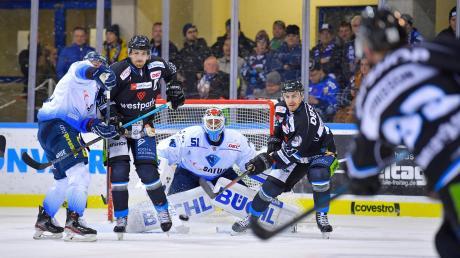 Hinten offen: Der ERC Ingolstadt, der die Kölner Haie empfängt, will seine Defensivprobleme in den Griff bekommen.
