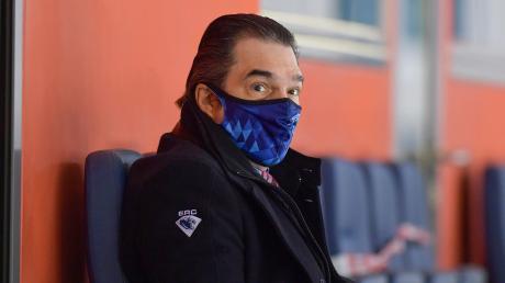 Kann mit dem Auftreten seiner Mannschaft im bisherigen Saisonverlauf überaus zufrieden sein: Ingolstadts Sportdirektor Larry Mitchell, der zuletzt auch den auslaufenden Vertrag von Frederik Storm verlängerte.