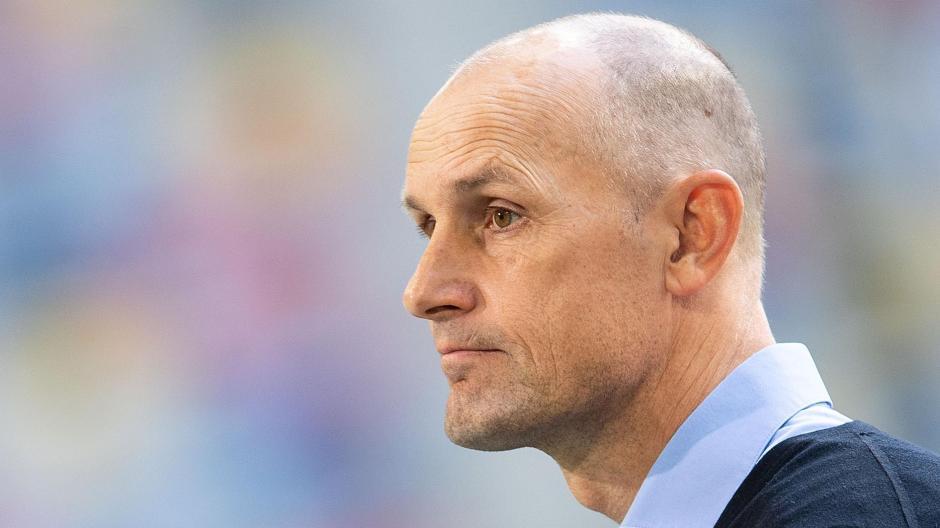 Heiko Herrlich und der FC Augsburg werden fünf Testspiele bestreiten.