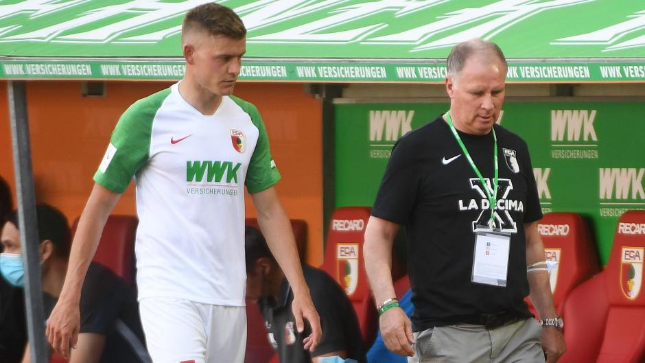 Die sportliche Führung um Stefan Reuter (rechts) scheint mit den Leistungen der Führungsspieler wie Alfred Finnbogason in der abgelaufenen Saison nicht zufrieden gewesen zu sein.