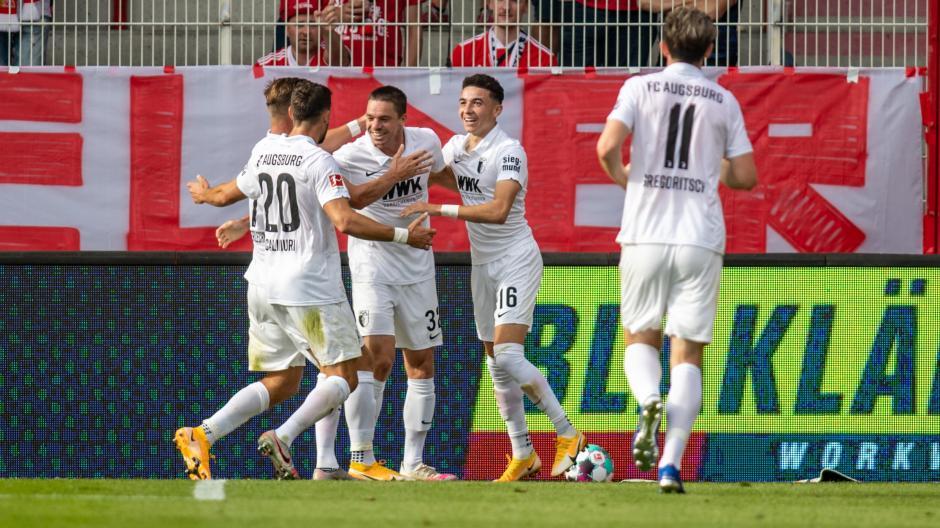 Der FC Augsburg setzt sich im Stadion An der Alten Försterei mit 3:1 gegen Union Berlin durch.