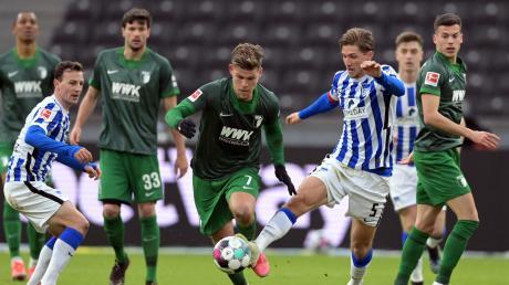 Hertha BSC holte gegen den FC Augsburg nach neun sieglosen Spielen in Folge drei Punkte.