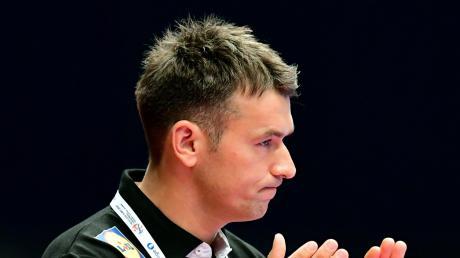 """""""Wir werden natürlich mit Christian in Richtung Olympia gehen"""" sagte DHB-Sportvorstand Axel Kromer in Richtung Bundestrainer Christian Prokrop."""