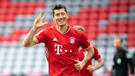 Robert Lewandowski sicherte dem FC Bayern München am Samstag die ersten drei Treffer gegen Eintracht Frankfurt.