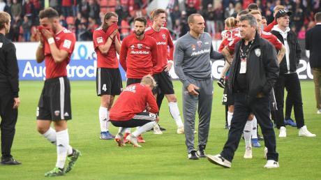 Riesige Enttäuschung: Der FC Ingolstadt konnte den Vorteil aus dem 2:1-Auswärtserfolg beim SV Wehen Wiesbaden nicht nutzen. Nach der 2:3-Heimniederlage steigen die Schanzer in die 3. Liga ab.