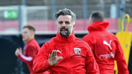 Kann derzeit mit seiner Mannschaft lediglich in Kleingruppen trainern: Tomas Oral hofft, dass die 3. Liga den Spielbetrieb bald wieder aufnimmt.