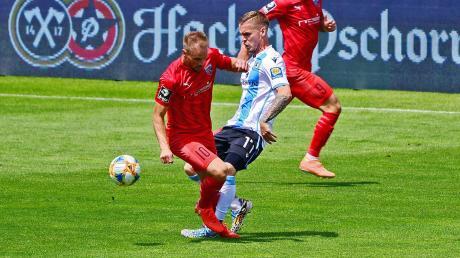 Es geht um alles: Maximilian Beister (links) und der FC Ingolstadt sind im Relegationshinspiel beim 1. FC Nürnberg zu Gast.