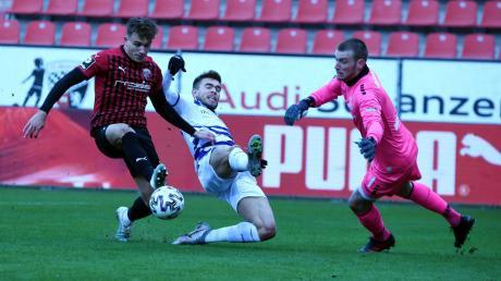 Der Ausgleich: Dennis Eckert Ayensa lässt sich nicht stoppen und trifft zum 1:1. Am Ende gewannen die Schanzer gegen den MSV Duisburg mit 2:1 und eroberten den zweiten Platz in der 3. Liga zurück.