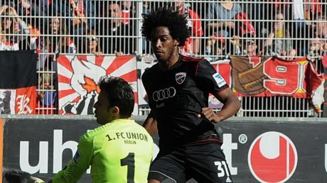 Ein Foto aus vergangenen Tagen: Von 2011 bis 2014 trug Caiuby – hier in einem Spiel gegen Union Berlin – das Trikot des FC Ingolstadt. Am Mittwoch könnte er bei der Partie in Zwickau sein Comeback feiern.