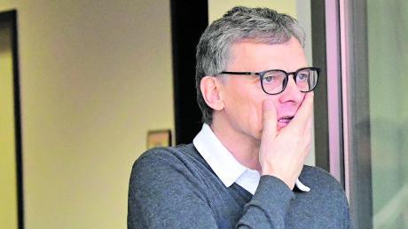 Gespannt vor dem bayerischen Derby: Sportdirektor Michael Henke ist mit dem FC Ingolstadt am Montagabend im Spitzenspiel der 3. Liga bei 1860 München zu Gast.