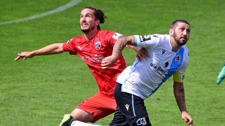Es geht um alles: Der FC Ingolstadt und 1860 München spielen um den Relegationsplatz. Hier ist ein Zweikampf zwischen Jonatan Kotzke und Sascha Mölders in der vergangenen Saison zu sehen.